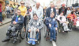 Protest niepełnosprawnych i ich opiekunów w Warszawie, 23 maja