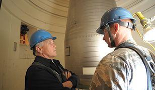 Wiceprezydent Mike Pence przy rakiecie balistycznej Minuteman III. Czy po podobną broń sięgnie też Korea Południowa?