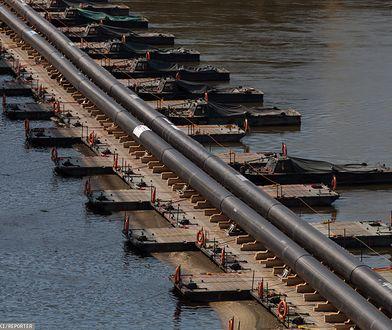 Po przełączeniu rurociągów wojsko zaczęło przygotowania do demontażu tymczasowego mostu