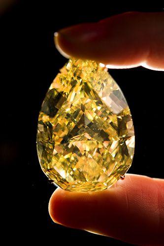 Unikatowy diament sprzedany za ponad 40 mln zł - zdjęcia