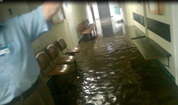 Zalało szpital przy ul. Długiej w Poznaniu - odwołano część operacji
