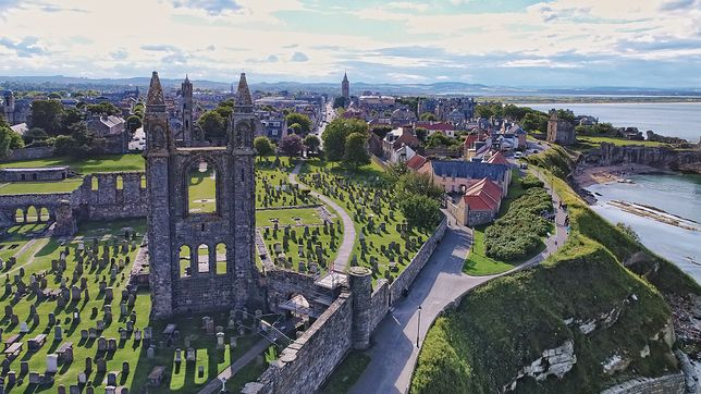 Najważniejsze obchody andrzejkowe nie odbywają się w stolicy Szkocji – Edynburgu, lecz w miejscowości St Andrews