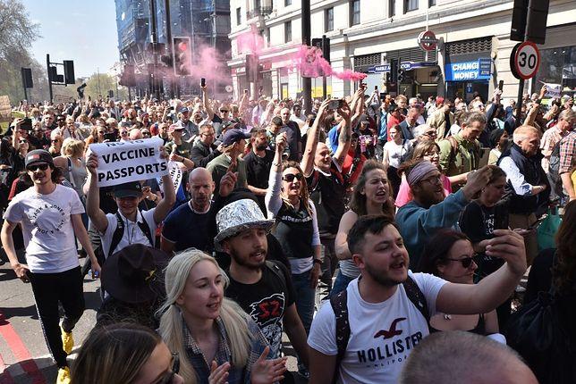 Protest w Londynie 24 kwietnia 2021 r.