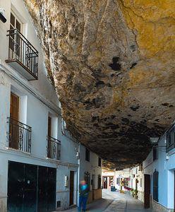Setenil de las Bodegas. Wielkie skały przygniatają domy