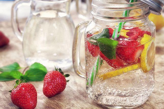 Czy warto pić wody smakowe?