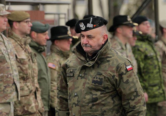 Koronawirus w Polsce. We wtorek wykryto 3 nowe przypadki w Polsce, m.in. u gen. Jarosława Miki