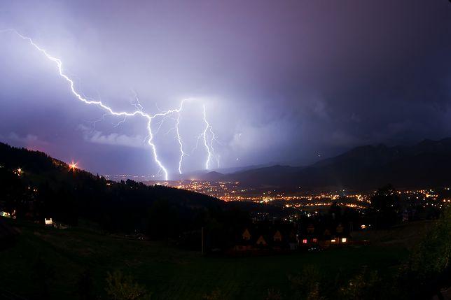 Pogoda – Zakopane. Sprawdź, czy burza i deszcz zaskoczą nas w czwartek 22 sierpnia. Pogoda w Tatrach w weekend ulegnie poprawie?