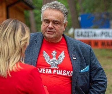"""Koronawirus w Polsce. Kluby """"Gazety Polskiej"""" odwołują wyjazd na Węgry"""