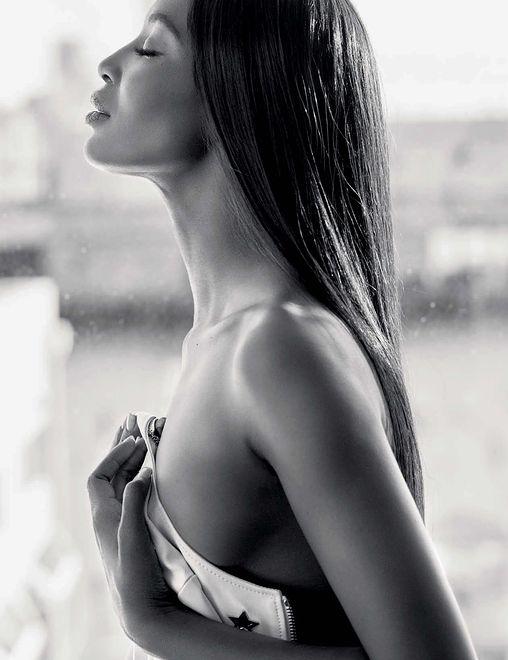 46-letnia modelka ma rewelacyjną kondycję
