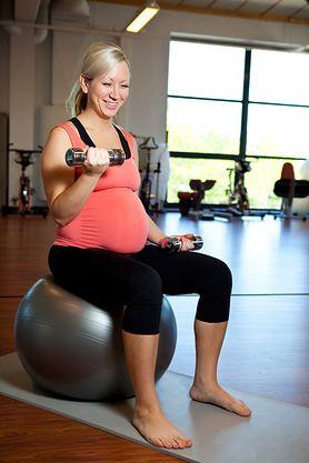 Jak ćwiczyć na siłowni - rady trenera, zasady, trening interwałowy, ćwiczenia w ciąży