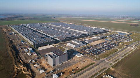 Systemy napędowe Mercedesa z fabryki akumulatorów w Jaworze
