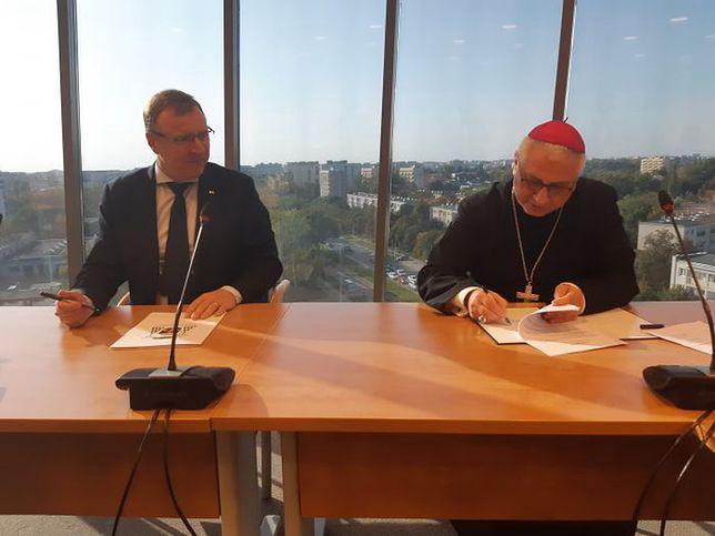 Jacek Kurski podpisał nową umowę z Episkopatem Polski