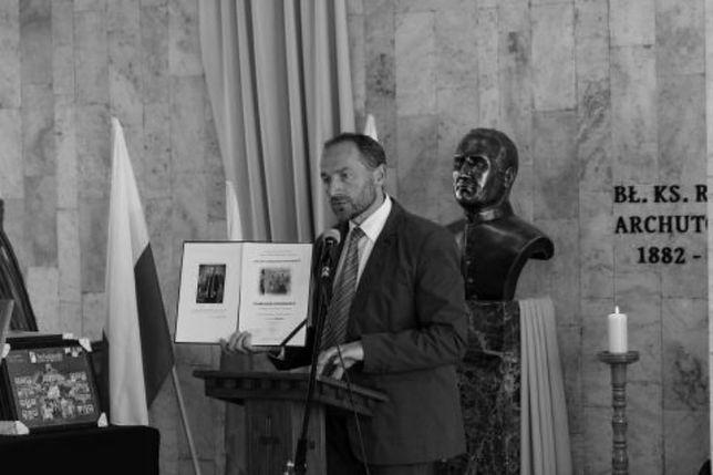 Zmarł Tomasz Kowalczyk, dyrektor katolickiego Liceum Ogólnokształcącego im. bł. ks. R. Archutowskiego