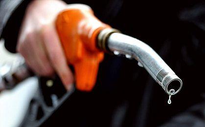 Nadal spadają ceny paliw na stacjach