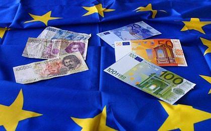 Włosi ciągle trzymają w domach stare liry. Pieniądze zachowały wartość