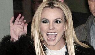 """""""Zdzira, lolitka, wariatka"""". Jak show-biznes i tabloidy zniszczyły życie Britney Spears"""