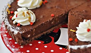 Tarta mocno czekoladowa z ciasteczkami
