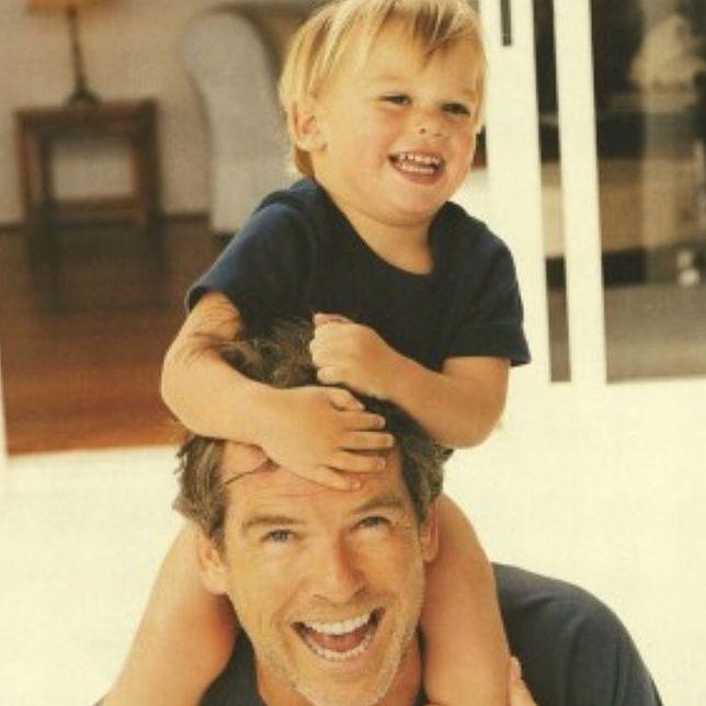Pierce Brosnan jest szczęśliwym tatą kilkorga dzieci, w tym Parisa