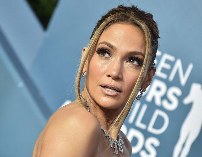 Jennifer Lopez występuje w marynarce polskiej projektantki