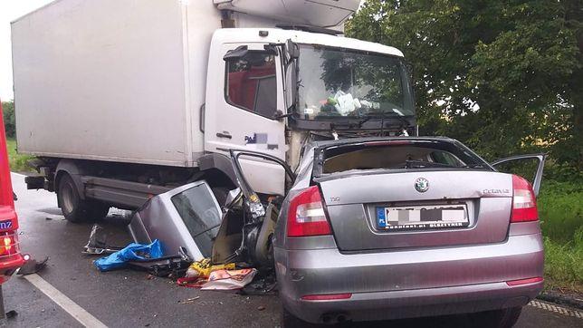 Wypadek samochodowy w Kozłowie.