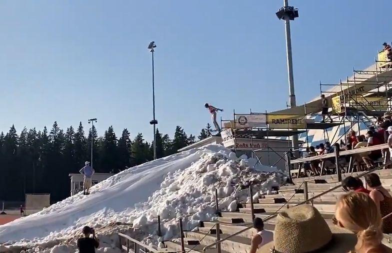 Upał, słońce i... skoki na prawdziwym śniegu. Coś dla fanów Kamila Stocha