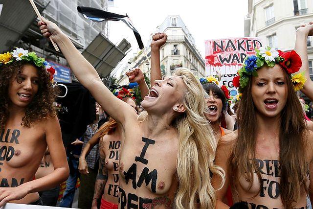 Nagi protest feministek - zdjęcia