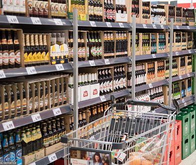 Promocje na piwo i mięso. Sklepy gotowe na weekend bez handlu. Zamkniętej kasy nie uświadczysz