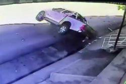 #dziejesiewmoto [290]: rolowanie pickupem, nieuwaga na skrzyżowaniu i zimowe zderzenie