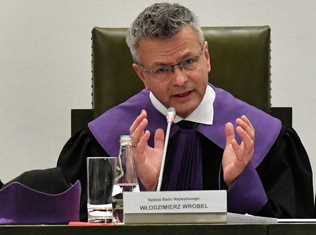 Sąd Najwyższy. Sędzia Włodzimierz Wróbel wyjaśnił uchwałę. Twitter zareagował