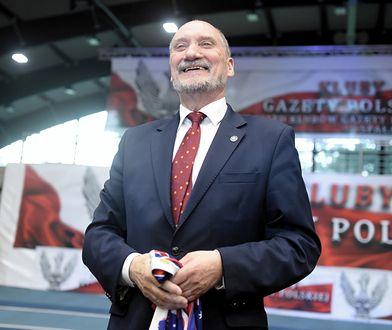 """Antoni Macierewicz dziękował klubom """"Gazety Polskiej"""""""