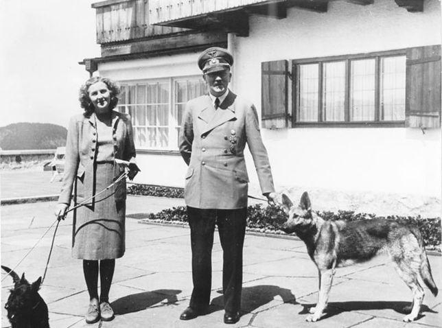 Adolf Hitler przez lata ukrywał przed światem swój związek z Ewą Braun. Dopiero tuż przed samobójczą śmiercią wziął z nią ślub