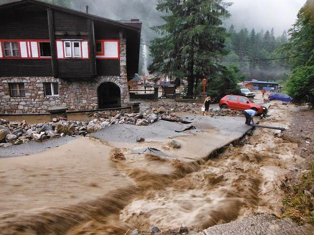 Dolina Vratna odcięta od świata. 120 osób ewakuowanych