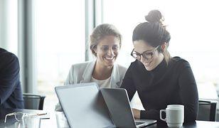 Kobieta na ścieżce zmiany. Przejdź ją z Women Update i dołącz do świata IT
