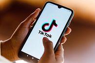 Włochy nakazują TikTokowi zablokowanie użytkowników po śmierci 10-latki - Aplikacja TikTok na smartfonie. Zdjęcie ilustracyjne