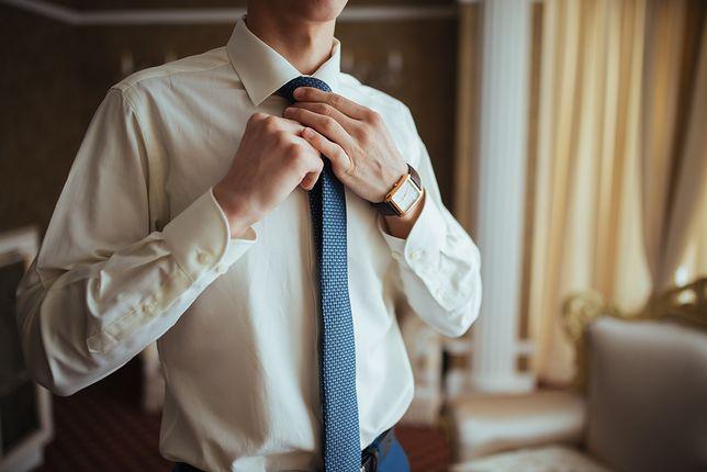 Krawat to obowiązkowy element eleganckiego garnituru
