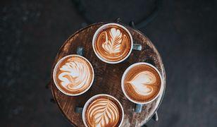 Gadżet nie tylko dla koneserów. Sposób na aromatyczną kawę w domowych warunkach