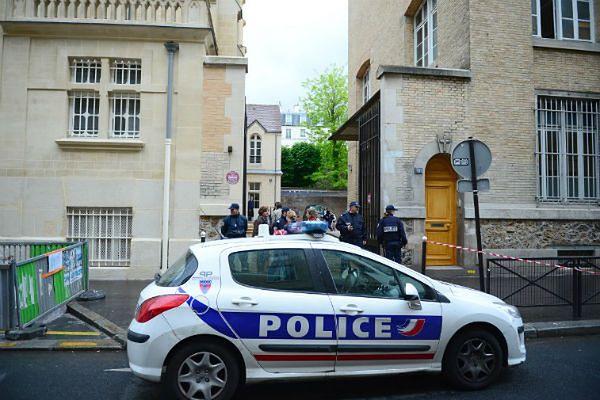 Mężczyzna popełnił samobójstwo w przedszkolu w Paryżu