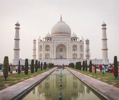 Indie: minister turystyki radzi kobietom nie nosić spódnic