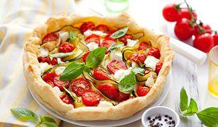 Nie tylko z owocami. Warzywne tarty polecają się na letni obiad
