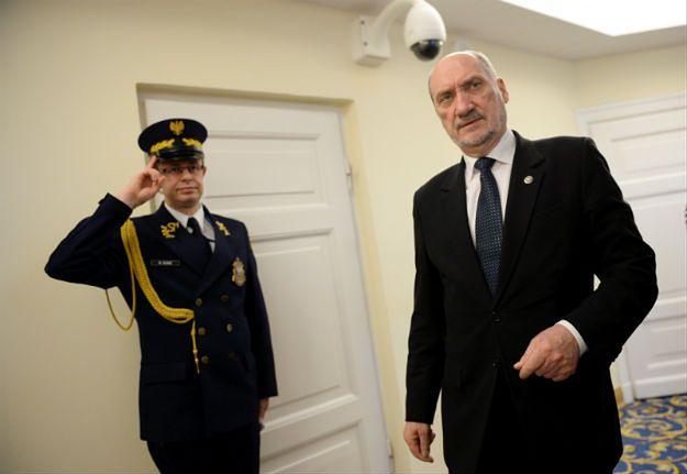 Informacja MON dla speckomisji: nieprawidłowości w CEK NATO