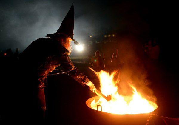 Prof. teologii: Kościół nie powinien potępiać Halloween