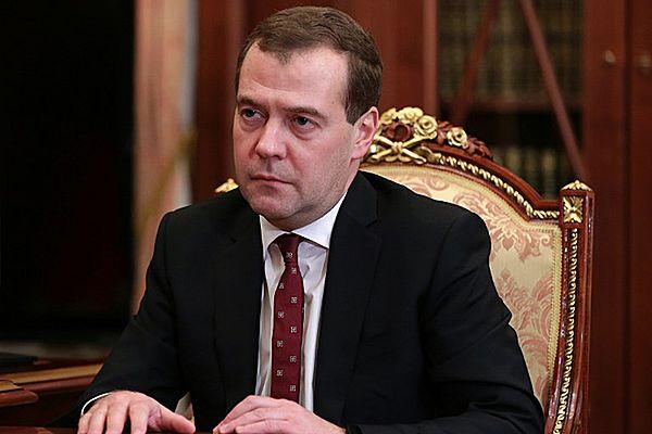 """Dmitrij Miedwiediew: uznanie nowych władz Ukrainy to """"aberracja"""""""