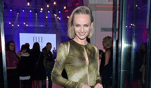 Katarzyna Stankiewicz w długiej, eleganckiej sukni
