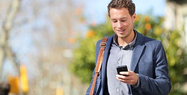 Pisanie sms-ów podczas spaceru jest jednak bezpieczne?