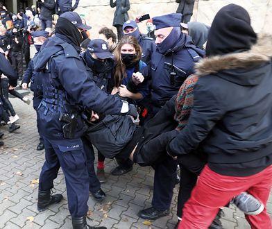 Strajk kobiet. Polski PEN Club ostrzega przed eskalacją przemocy