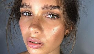 Rozświetlacz to kosmetyk nie tylko do kości policzkowych