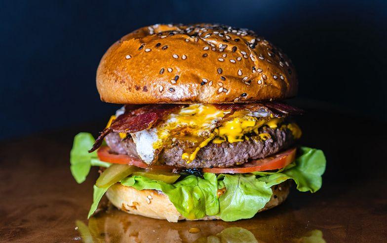 """""""Typowa zachodnia dieta"""" przebadana przez naukowców. Są wyniki"""