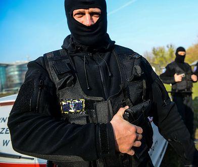 Ochroniarz strzelił w plecy złodziejowi. Usłyszał wyrok, ale broni go całe miasto