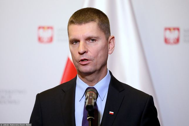 Konferencja prasowa ministra edukacji narodowej Dariusza Piontkowskiego [NA ŻYWO]