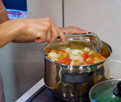 Gotowanie stanie się łatwiejsze. Wypróbuj kilka prostych sztuczek